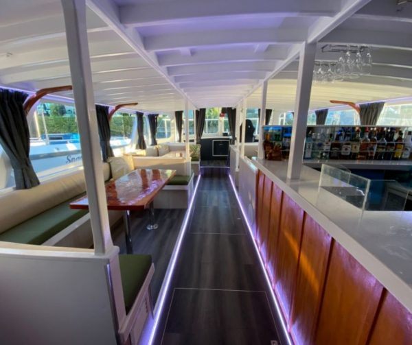 Boat party hire auckland